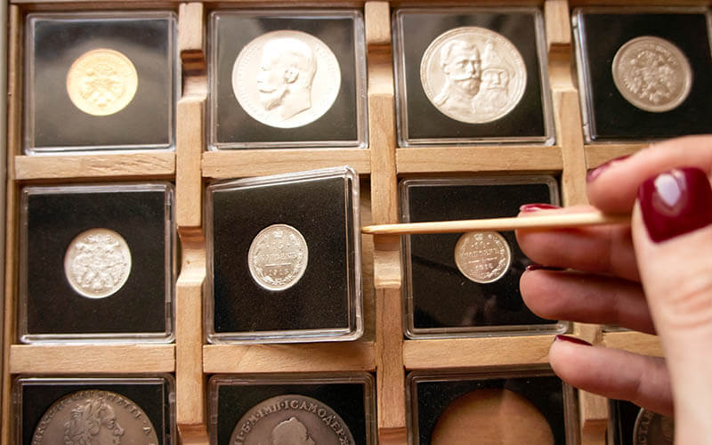 Scatole in plastica trasparente per monete